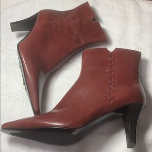 Bandolino dark red leather boots